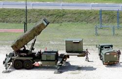 陸上自衛隊高知駐屯地に配備されたPAC3(12日、高知県香南市)=共同