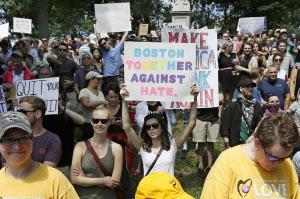 全米各地で反人種差別集会 ボストンに4万人